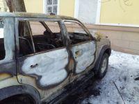 В центре города в результате поджога сгорел автомобиль (фото)