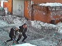 Подростки стащили блоки питания для компьютеров из одной из мастерских (видео)