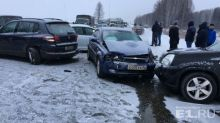 Под Нижним Тагилом в массовом ДТП разбились восемь машин (фото)