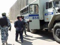 Подозрительных мигрантов, работающих на стройплощадке нижнетагильского цирка, доставили в полицию (фото)
